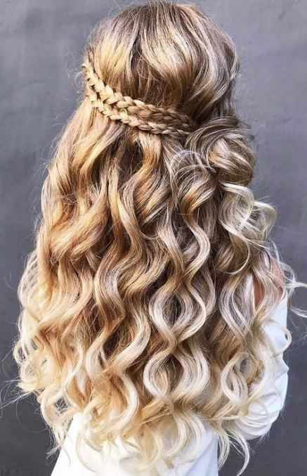 30 Trendy Ideas For Hair Goals Tumblr Half Up Prom Hair Down Long Hair Styles Cute Prom Hairstyles