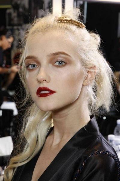 Bold glossy lips