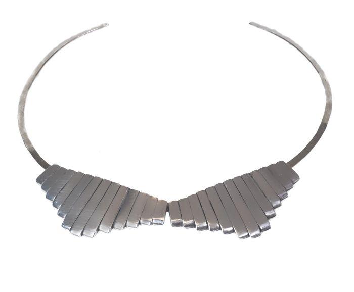Bandit collar in antique silver