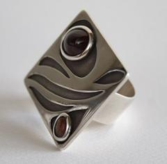 Compro anillo de plata, granate