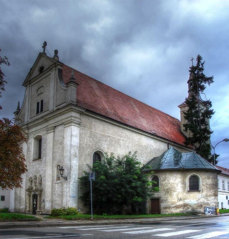 klášter piaristů s kostelem sv. Jana Křtitele ( mesto Mikulov, 1631)