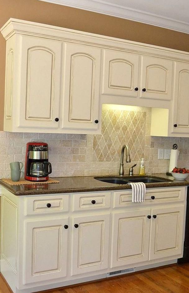 Painted Kitchen Cab Detailssherwin Wms Cashmere Antique White With Valspar Gla In 2020 Antique White Kitchen Antique White Kitchen Cabinets Painting Kitchen Cabinets
