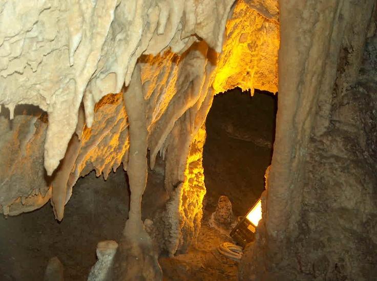 Pescorocchiano (Rieti) - Grotta di Val de' Varri - from www.comunepescorocchiano.rieti.it