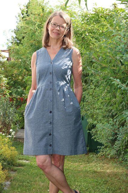 Zu diesem Kleid kann ich eigentlich gar nicht viel schreiben. Es ist ein Klassiker in der Nähszene, dieses Darling Ranges von Megan Nie...