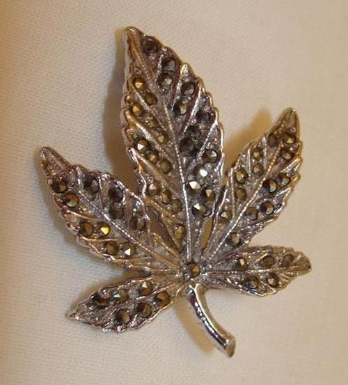 Buy Beautiful Vintage Marcasite  Brooch. It is 4cm in length and 3.2cm in width.for R150.00