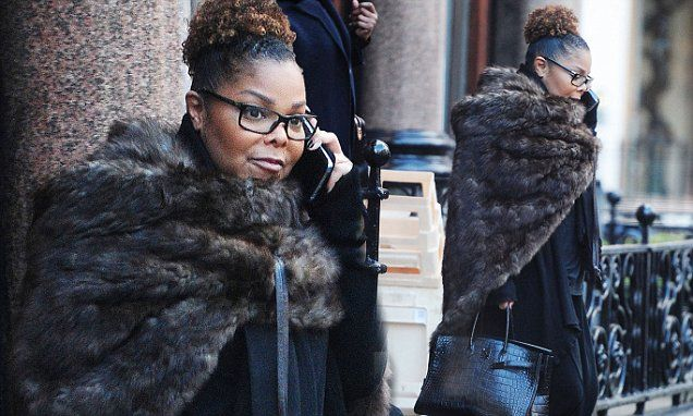 Janet Jackson carries a £50,000 Hermes handbag in London | Daily Mail Online