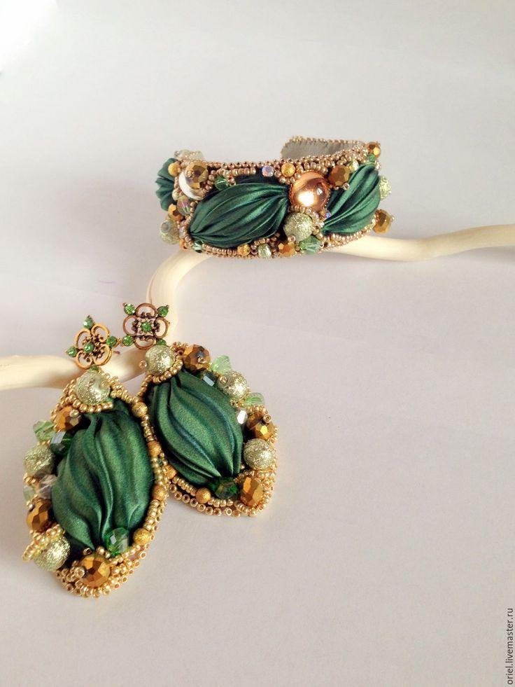 Купить Браслет Зеленый сад из ленты шибори и бисера - авторские украшения, лента шибори