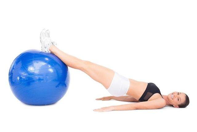 6 Exercícios de Pilates com Bola para fazer em casa