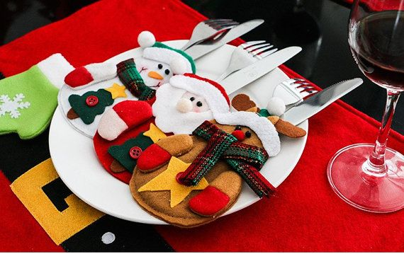 Oh my god cute little gift carriers inspired by Christmas season.  All come in super sweet free shipping mode worldwide Three in one package - raindeer , snowman , santa :)  Please please add your contact phone number while purchase in the notes to seller Hope you enjoy :) Merry Xmas
