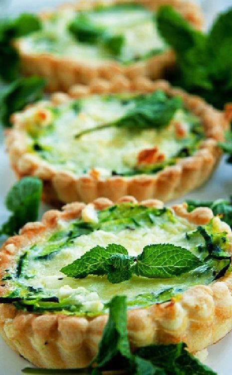 Low FODMAP and Gluten Free Recipe - Zucchini & feta tart  ---   (update)   --- http://www.ibssano.com/low_fodmap_recipes_zucchini_feta_tart.html