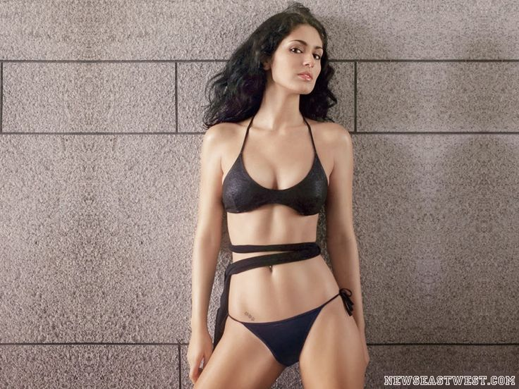 Bruna Abdullah - Brazilian babe in Bollywood