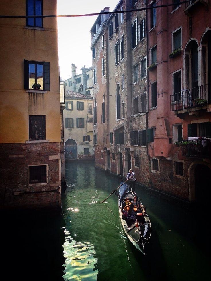 The obligatory gondola shot