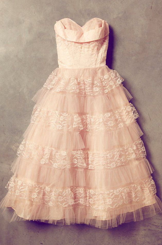 Vintage 50s prom dress in blush tones. Tea length, ruffles and lace - what more could a girl want?