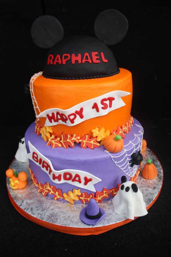 Halloween birthday cakes for kids | Mickey not so scary halloween cake. 2 tier..bottom tier vanilla cake ...