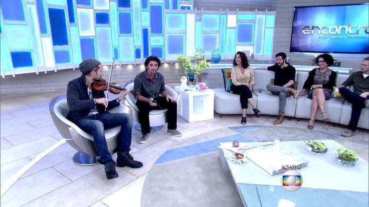 http://gshow.globo.com/programas/encontro-com-fatima-bernardes/videos/t/cenas/v/violinista-david-garret-e-famoso-por-tocar-musicas-classicas-e-hits-pop/4349429/