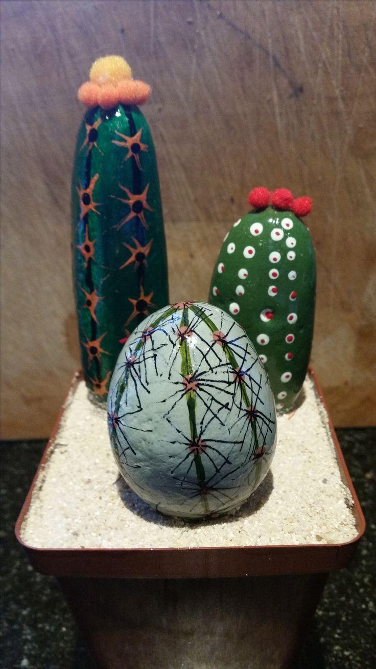 More rock art cacti.