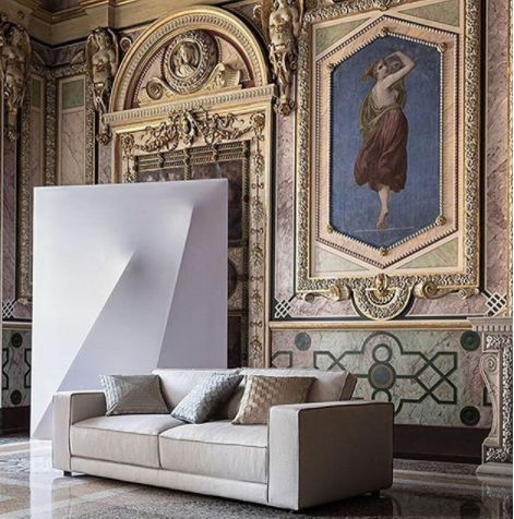 Suite sofa design Paola Navone for the stunning installation on the latest editorial MarieClaireMaison Italy by Bruno Tarsia stylist.