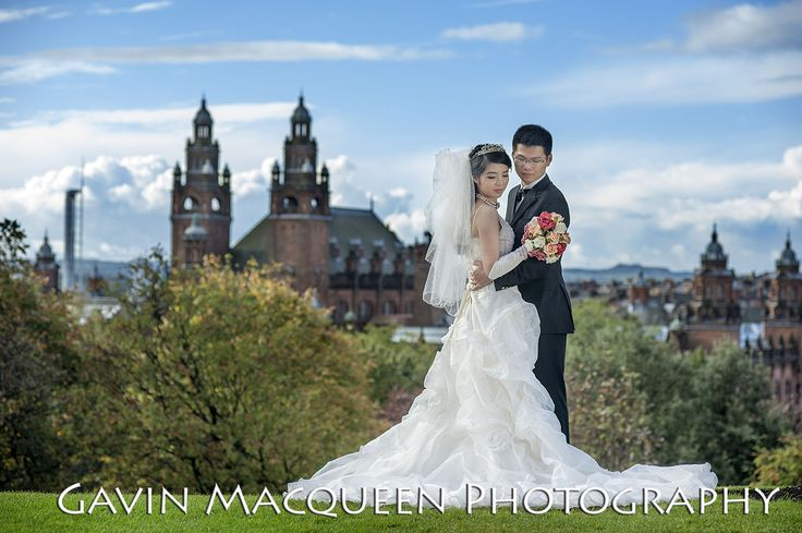 Glasgow University wedding with the Kelvingrove Art Gallery in the background.