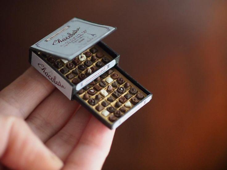 いいね!13千件、コメント343件 ― kiyomiさん(@chiisanashiawase2015)のInstagramアカウント: 「❤︎ ・ original handmade miniature chocolate size 1/12 . 引き出しチョコボックス。 ・ 昨日、主人も風邪で早退😩 それぞれ別の部屋で隔離、、。…」