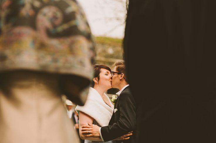 http://johannahietanen.com/wedding/haakuvaus-suomenlinna-kihlakuvaus-kirkkonummi/