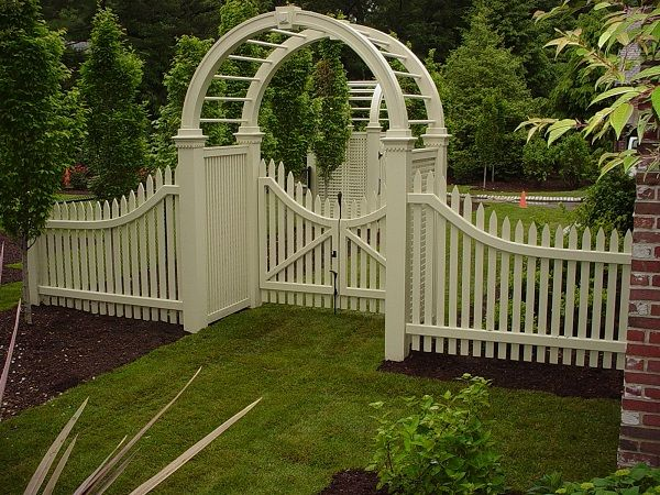 New England Woodworkers, Custom Fence Company For Picket Fences, Privacy  Fences And Lattice Fencing