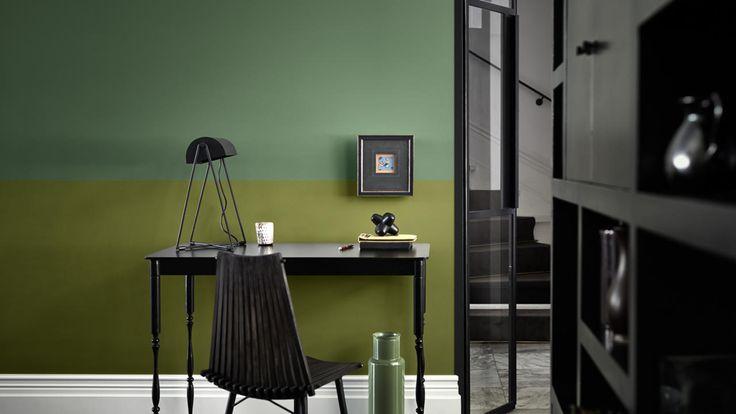 Szukasz pomysłów na wystrój mieszkania? Oto pięć klasycznych zestawień kolorystycznych, które rozjaśnią każdą przestrzeń – od biura domowego, przez sypialnię i salon, po kuchnię.