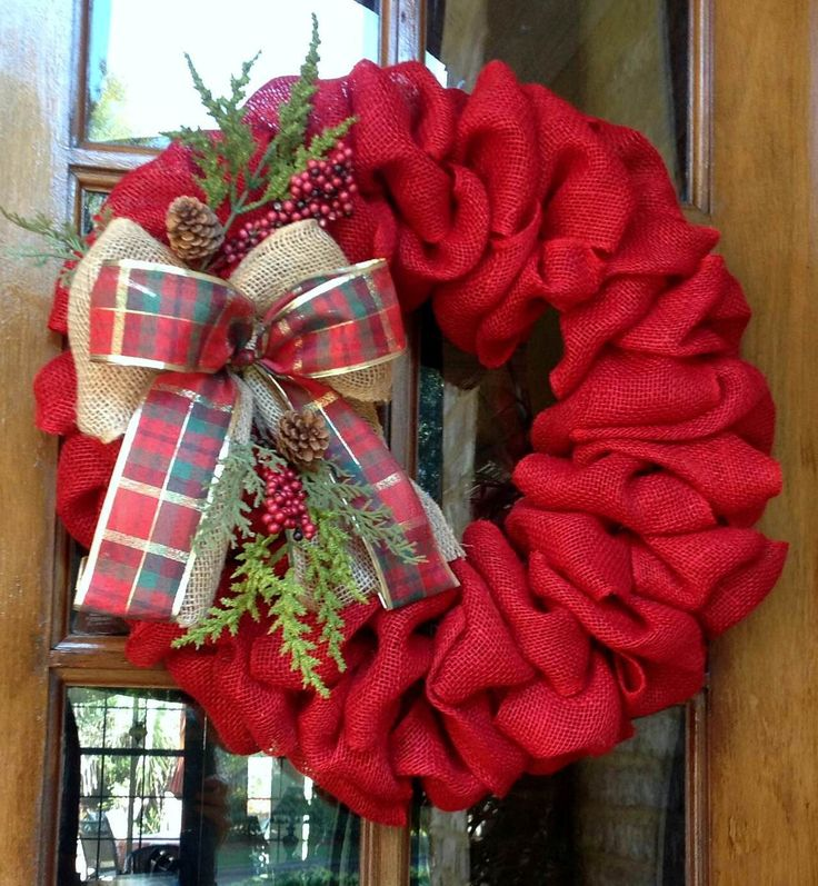 25 best ideas about burlap christmas wreaths on pinterest for Burlap wreath with lights