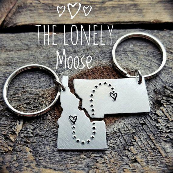Scegli qualsiasi 2 stato Keychain Set personalizzato mano timbrato regalo relazione a lunga distanza regalo coppie regalo fidanzato fidanzata regalo BFF regalo