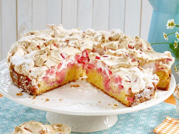 Unser beliebtes Rezept für Rhabarber-Baiser-Kuchen und mehr als 55.000 weitere kostenlose Rezepte auf LECKER.de.