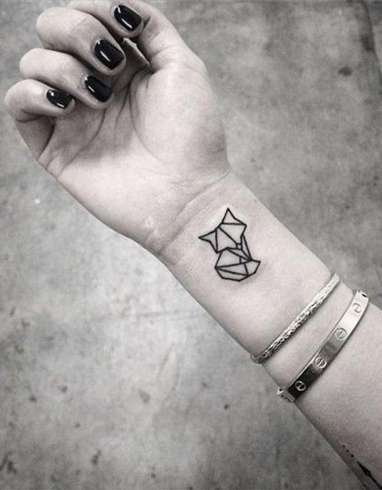 Tattoo Le chat graphique                                                                                                                                                                                 Plus