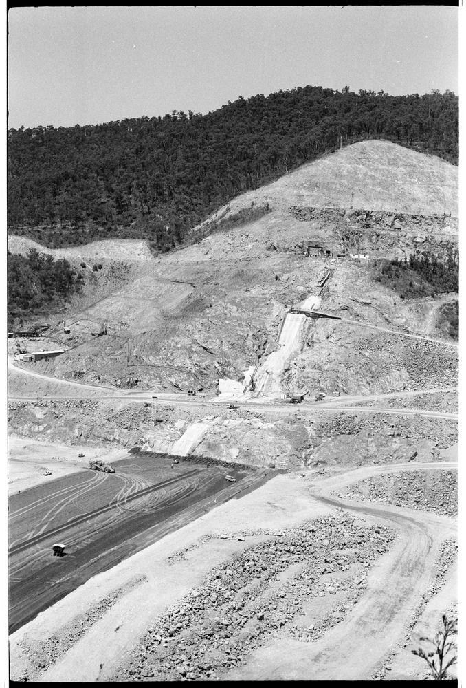 Dartmouth Dam Construction