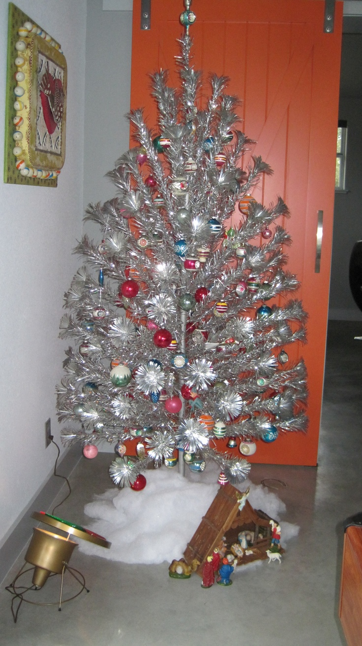 Silver tinsel christmas tree with color wheel - Vintage Aluminum Christmas Tree Makes Me So Happy
