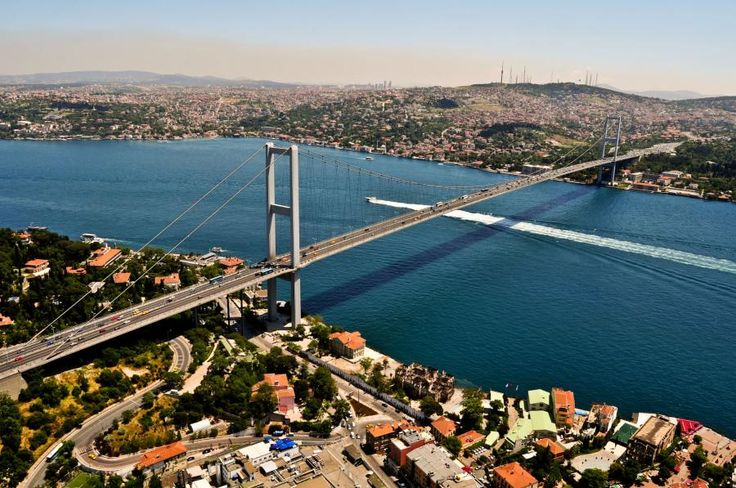 In this tour you will drive over the first INTERCONTINENTAL BRIDGE that connects Europe and Asia with Tourboks.