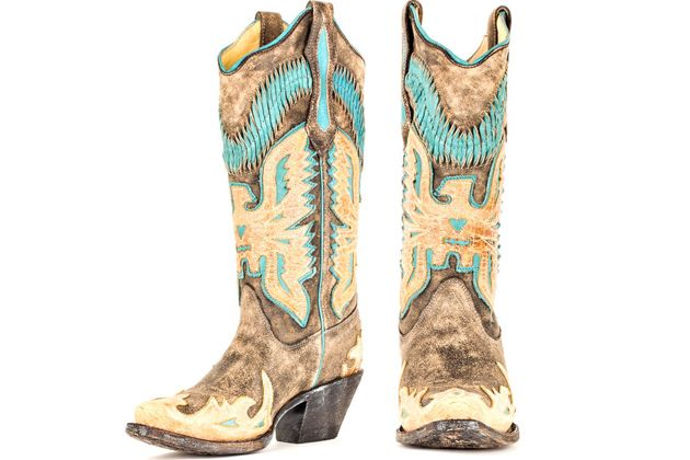 Twelve days of boots! Today, I'm kicking off the first day of my Twelve Days of Boots giveaways leading up to Christmas. Every day for the next twelve days, I'll be giving away a different pair of boots.