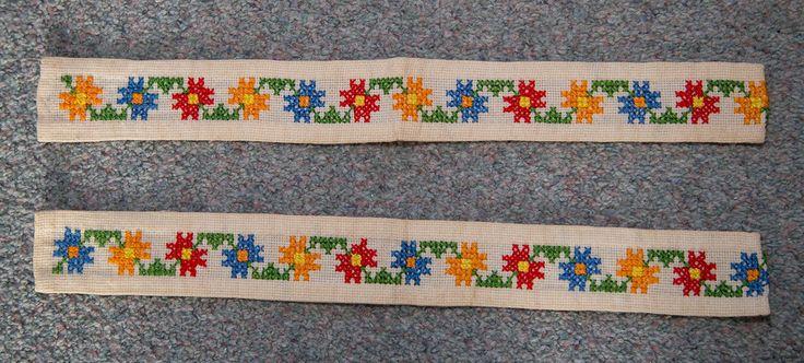 Flower borders embroidered by hand in the fifties  Bloemenranden handgeborduurd in de jaren vijftig Anna van Waeterschoodt, my mother made these.