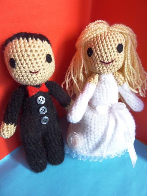 The Wedding Dolls - Free Amigurumi Pattern here http://hook-and-stitch.blogspot.co.uk/2013/05/the-wedding-dolls.html