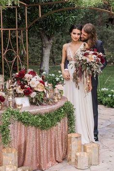 rose gold metallic blush and burgundy wedding decor / http://www.deerpearlflowers.com/burgundy-and-blush-fall-wedding-ideas/