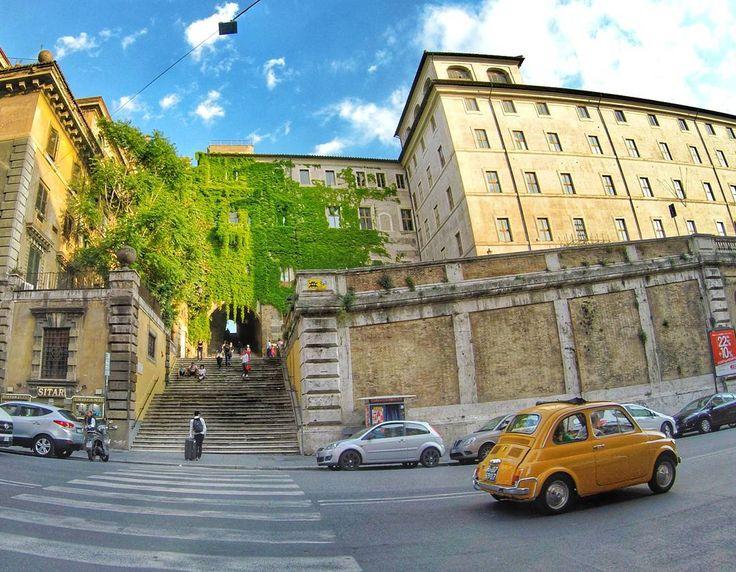 Lugares que encantam!!!! . Lembre-se que nós fazemos o seu roteiro personalizado em Roma organizamos o seu transfer do/para o aeroporto e também sua hospedagem! info@emroma.com .  Veja mais no Snapchat Em_Roma