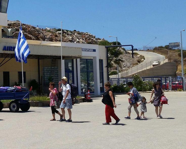 Greece Sees Decline in 2016 Tourism Revenue, Despite Arrivals Increase.