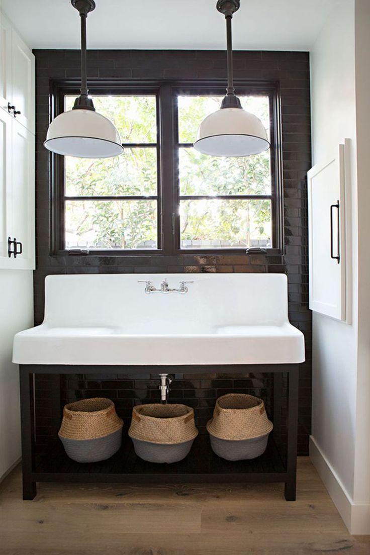 25 Best Farmhouse Master Bedroom Decor Ideas: Best 25+ Modern Farmhouse Bathroom Ideas On Pinterest
