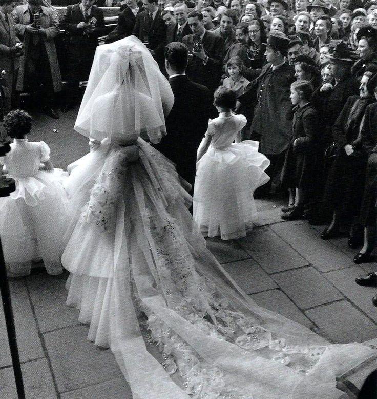 The wedding Paris 1952 Robert Doisneau