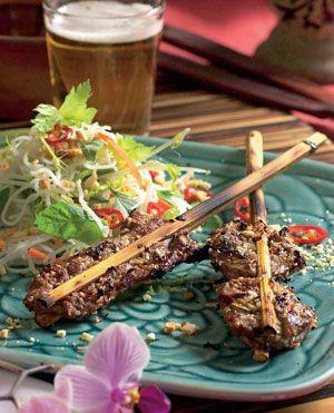 Vietnamesisk mad til hverdag! Det lyder måske omstændeligt, men er faktisk rimelig hurtigt tilberedt.
