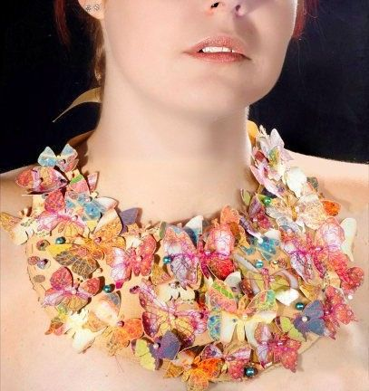 Wearable Art Necklace in Gold with Butterflies. por lovisetto, $92.00