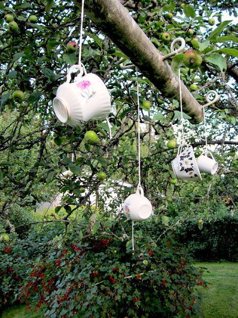 Garden ornaments / T. M. Suomela, Nokia Finland
