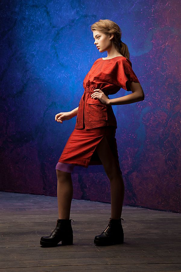 Lookbook fall-winter 2014-15. #25twentyfive25 #lookbook #fashion #blouse #skirt #red #silk