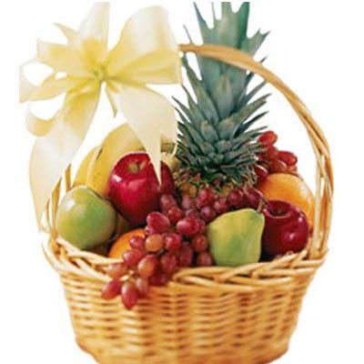 http://www.dostavka-tsvetov.com/korziny-s-fruktami/korzina-1 Корзина с фруктами в подарок с бесплатной доставкой в Москве