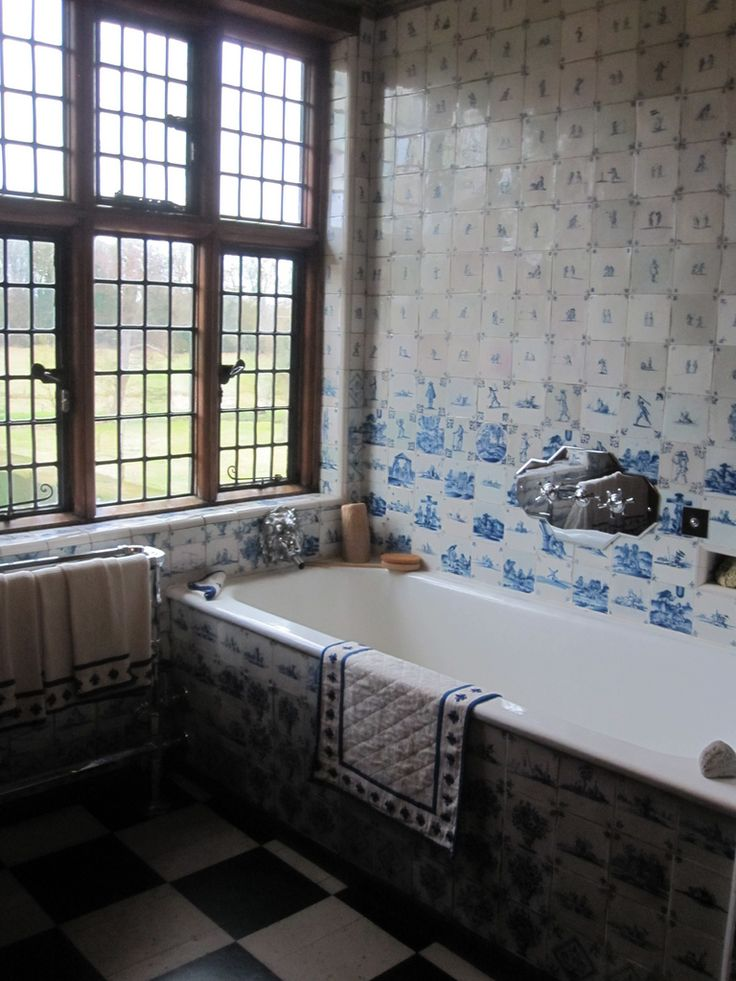 Art Deco Bathroom With Dutch Tiles, Packwood House, Warwickshire Part 91
