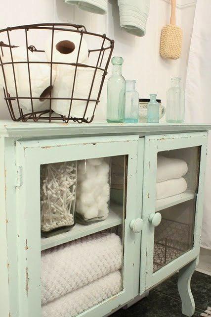 Organize your bathroom! Click through for 21 ideas.