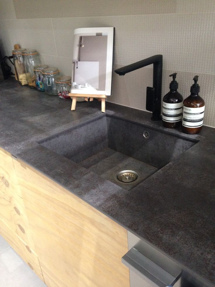 Porcelain Slab kitchen bench with matching sink. ace Fortitude Valley. www.acestone.com.au