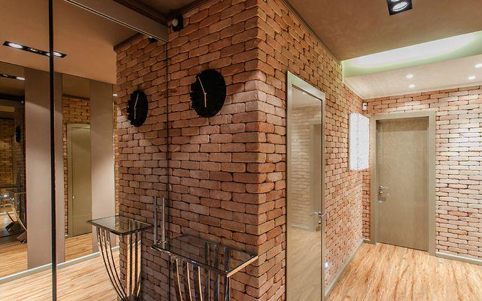 Одной и особенностей квартиры, выдержанной в стиле лофт можно назвать огромные оконные проемы, которые как раз характерны для различных фабрик и заводов.